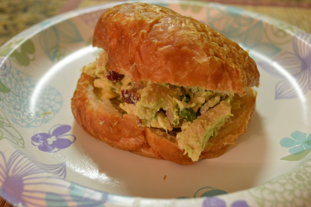 Love Food : Chicken salad sandwich