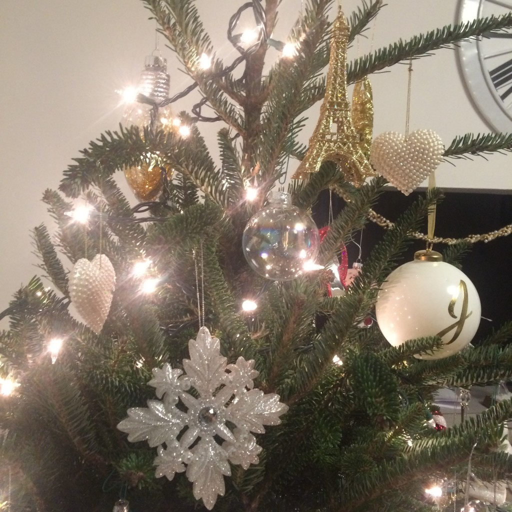 A Very Girly Christmas Tree - Let's Fall in Love Blog